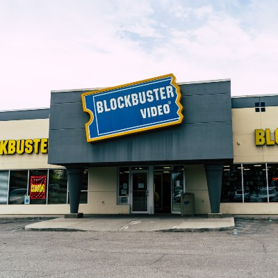 last blockbuster been turned airbnb